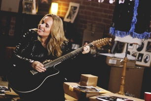 Carrousel (Support) //  Melissa Etheridge